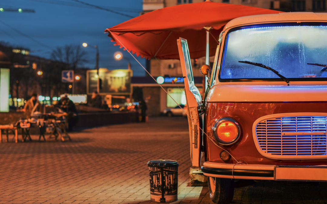 Food Truck vs. Food Cart: The Pros and Cons of Each